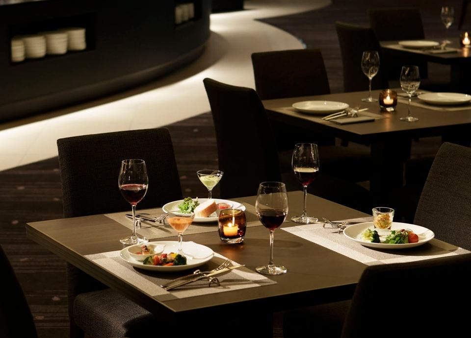 レストランペアお食事券 レストラン シャンボール、チャイニーズダイニング リュウ、日本料理なにわ、オールデイダイニング ルオーレ、鉄板焼なにわ