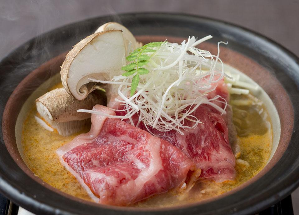 国産牛ときのこのピリ辛鍋 イメージ