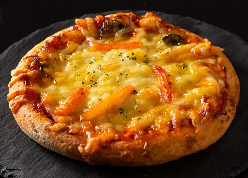 蟹と黒オリーブのピザ