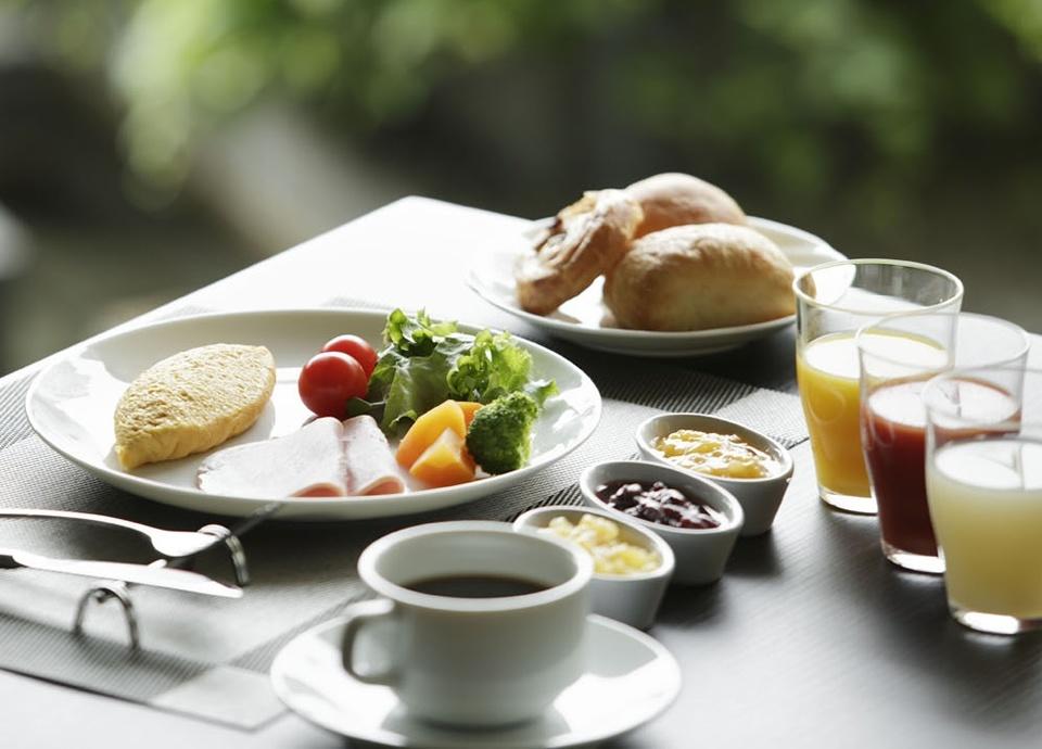 【選べる朝食付プラン】和洋ビュッフェ または、和定食。自慢のホテル朝食から始まる一日。