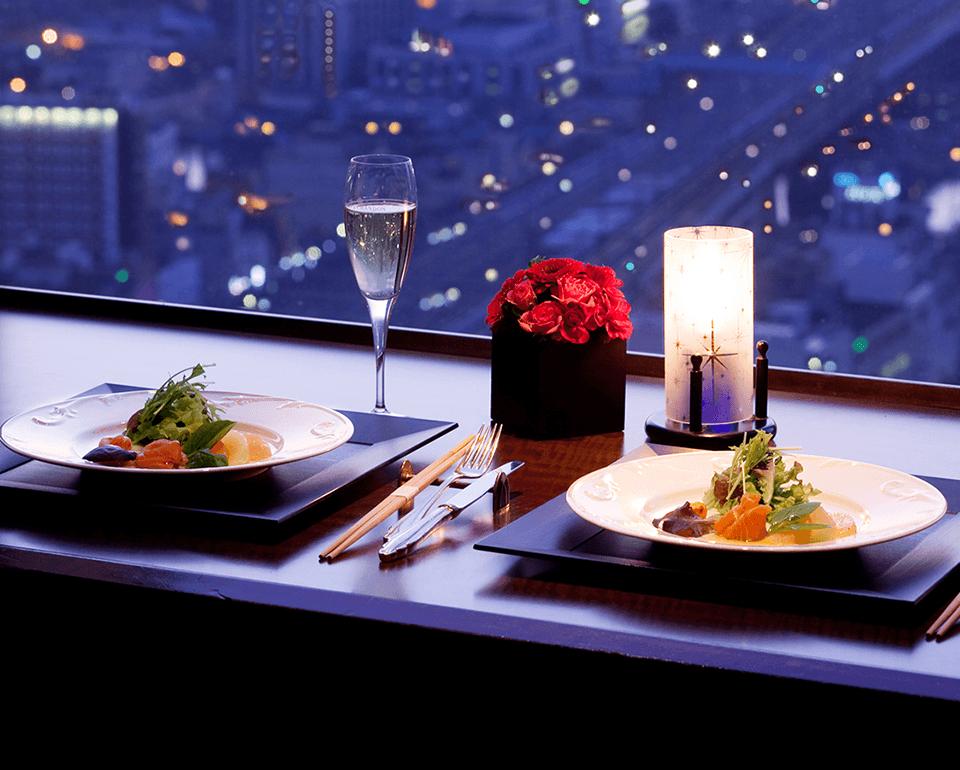 最上階29階より北九州の夜景を一望できるスカイラウンジ