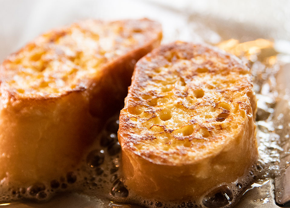 目の前で焼き上げるフレンチトースト