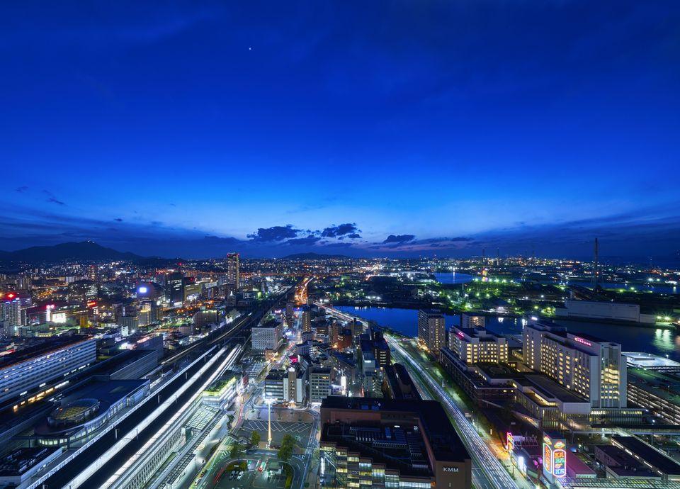 【福岡県民限定】タワーフロア26・27階がお得に!日本新三大夜景と28階の特別朝食