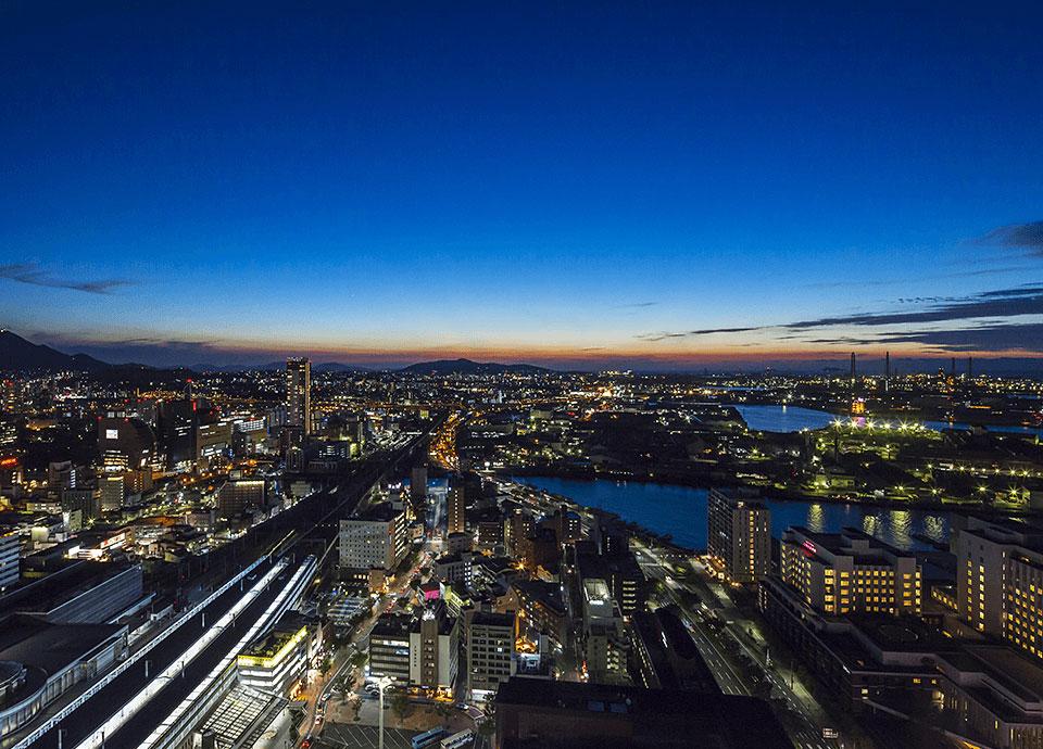 14階以上の高層階 海や山、北九州の街並みが<br>眼下に臨む