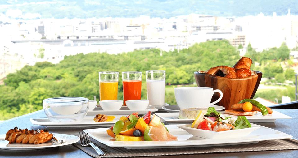 「トップ オブ キョウト」朝食付