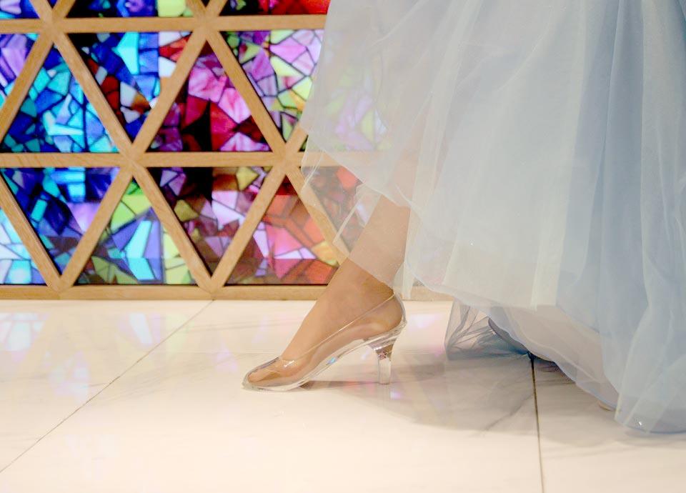 本当に履けるガラスの靴で <br class='sp_only'>あなたの彼女がプリンセスに<br>【聖プロポーズ】