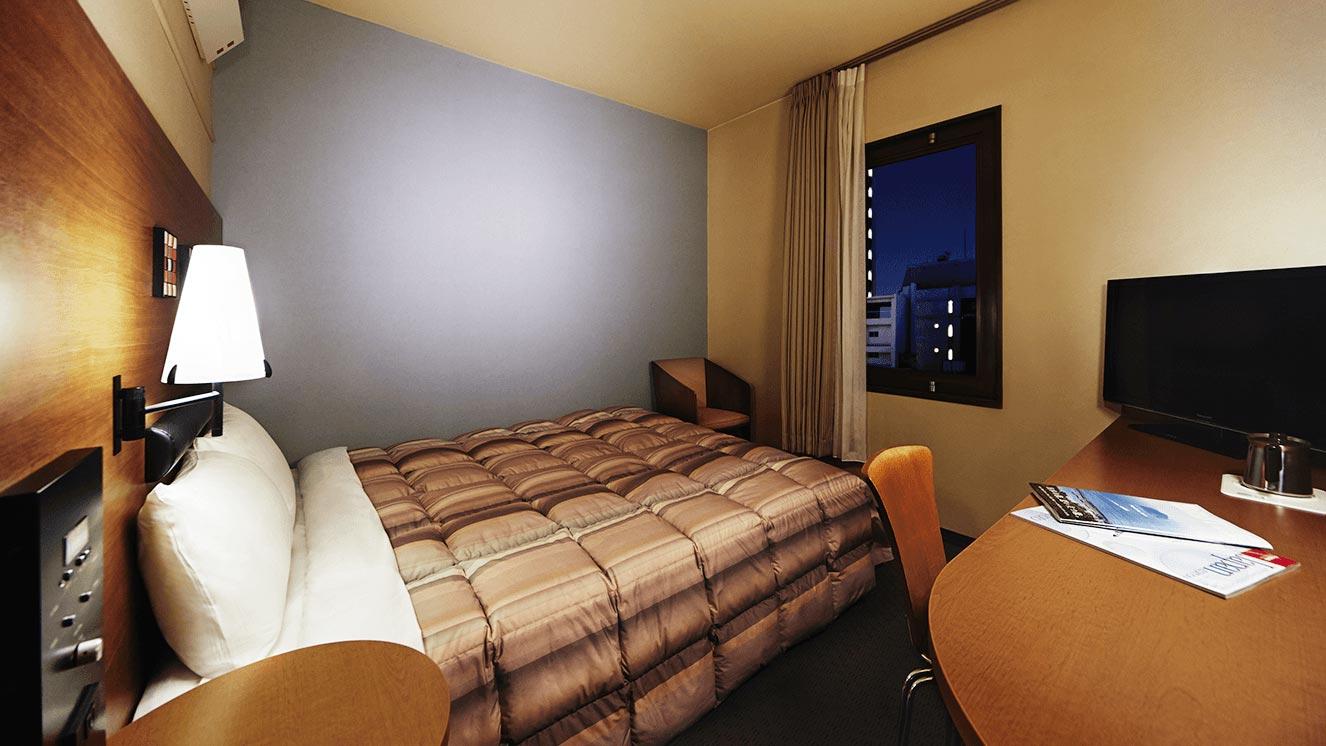 140~160cm幅のベッドはお子様の添い寝も可能です。