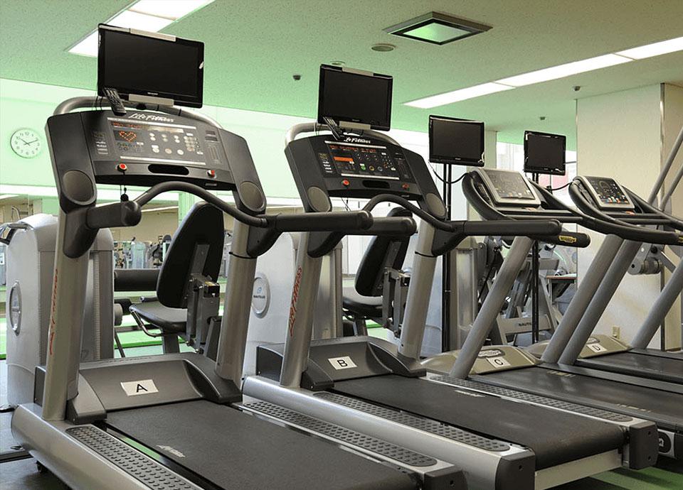 リーガロイヤルホテル(大阪)のロイヤルヘルスクラブのスポーツジム「ランニングマシン」
