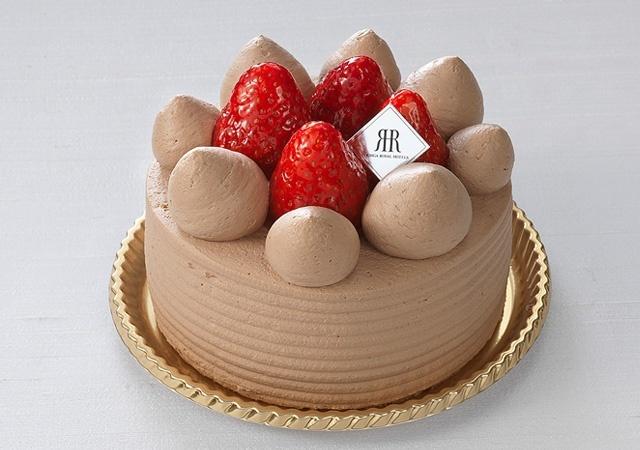 苺のチョコレートデコレーションケーキ