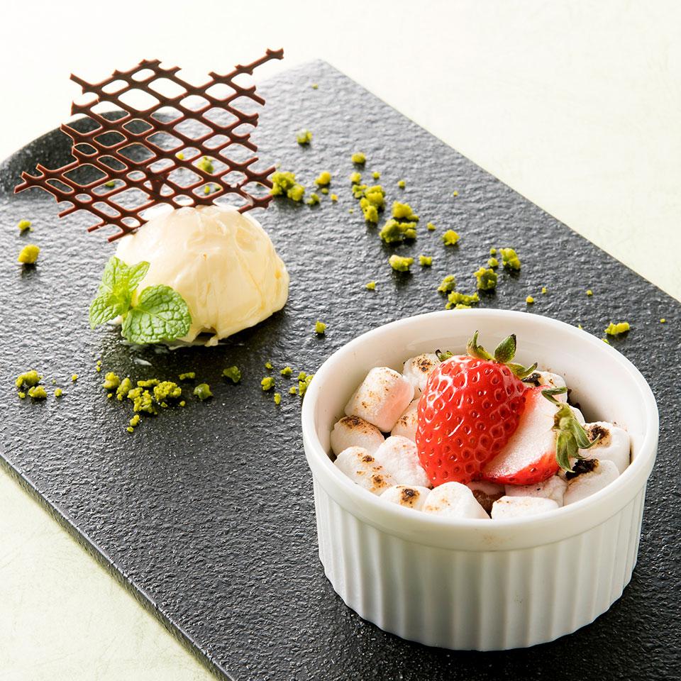 【オプション】苺とチョコレートの温かいデザート