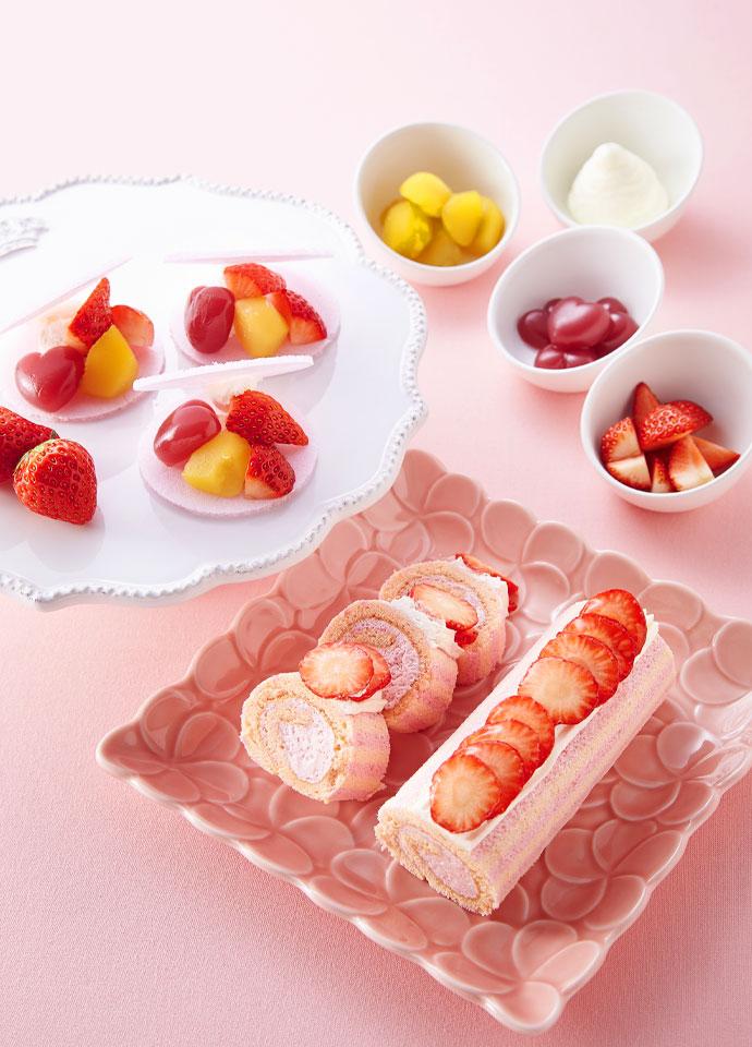 苺のロールケーキ、桜あずきのロールケーキ、もなか~桜色の皮で