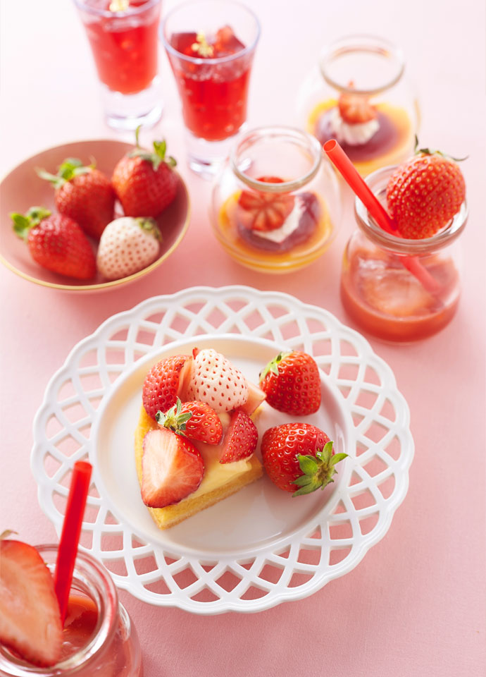 苺タルト、苺とプリン、苺とルバーブのスープとスパークリングワインジュレ、苺のゼリー