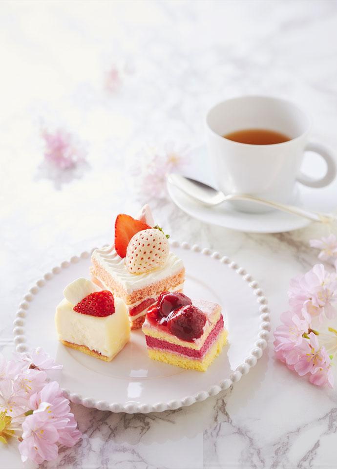 苺のショートケーキ、苺とベリーのケーキ、苺とレアチーズケーキ