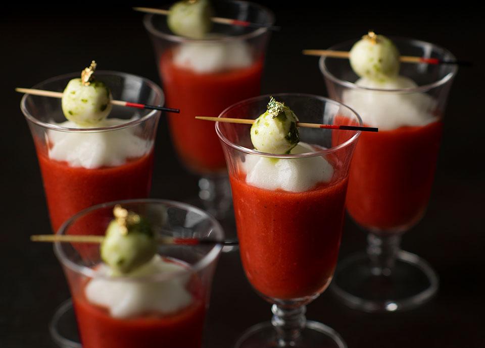 苺のガスパッチョ&トマトの泡