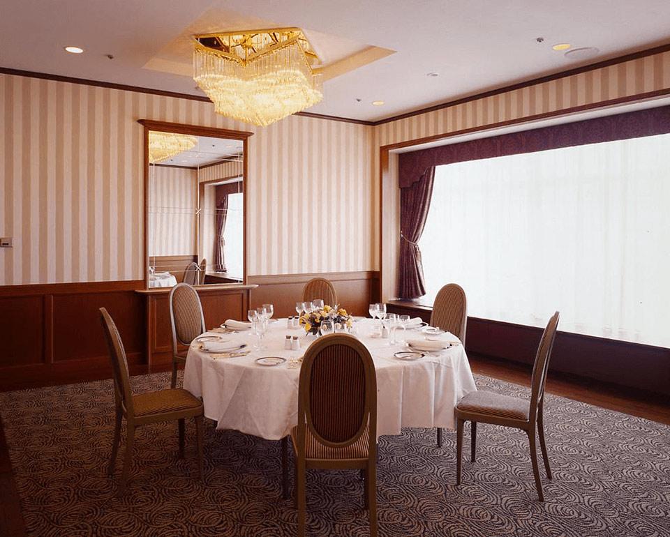 クリスタルルーフレンチレストラン シャンボールの個室「クリスタルルーム」