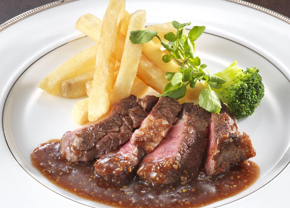 牛ロース肉のステーキ 粒マスタード 赤ワイン風味のソース(+¥1,000)