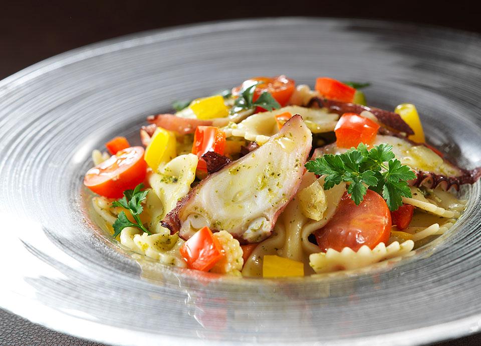 タコと彩野菜のパスタサラダ