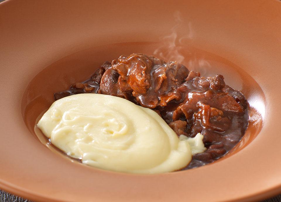 牛肩ロース肉のマリネステーキ&アリゴ
