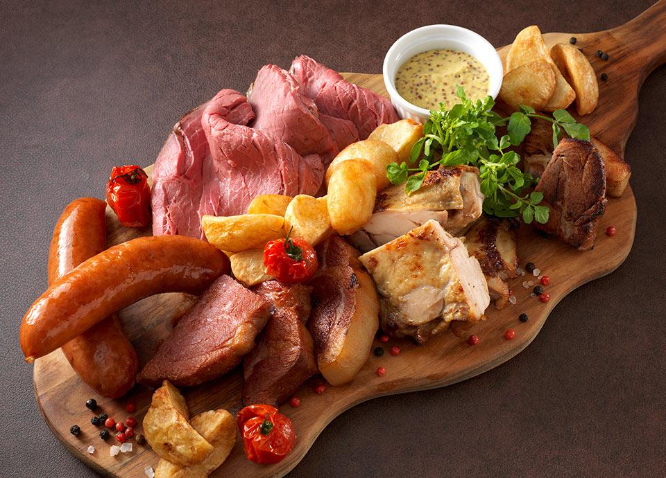 夏にうれしいお肉料理の数々