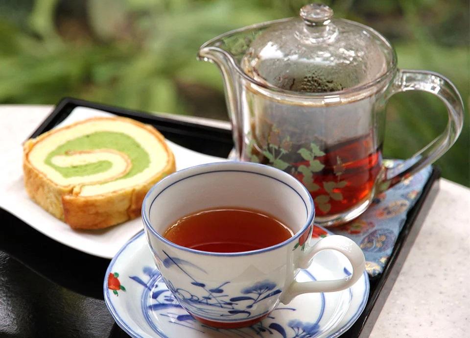【母の日におすすめ】ハーバリウムボールペンのギフト&和紅茶セット付【朝食付】