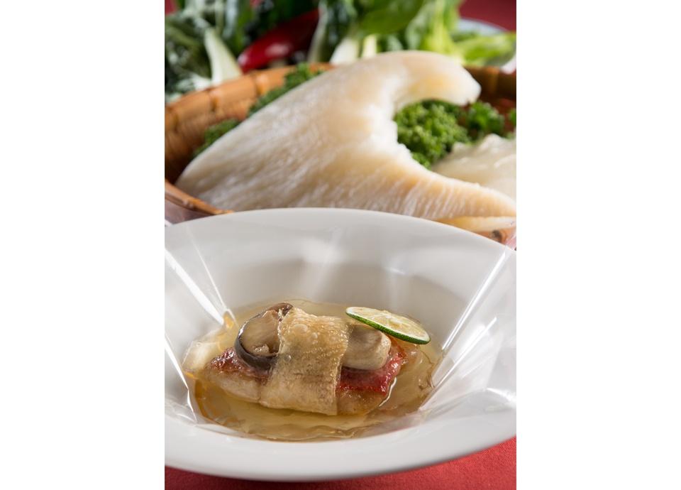 10周年記念 ふかひれと松茸、海鮮を味わうディナーコース