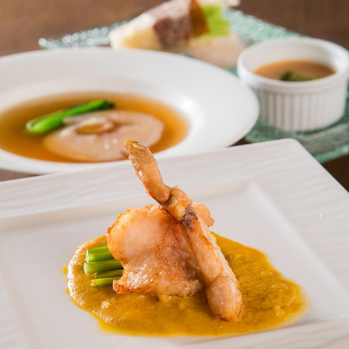 ふかひれ姿煮とズワイ蟹を味わうディナーコース