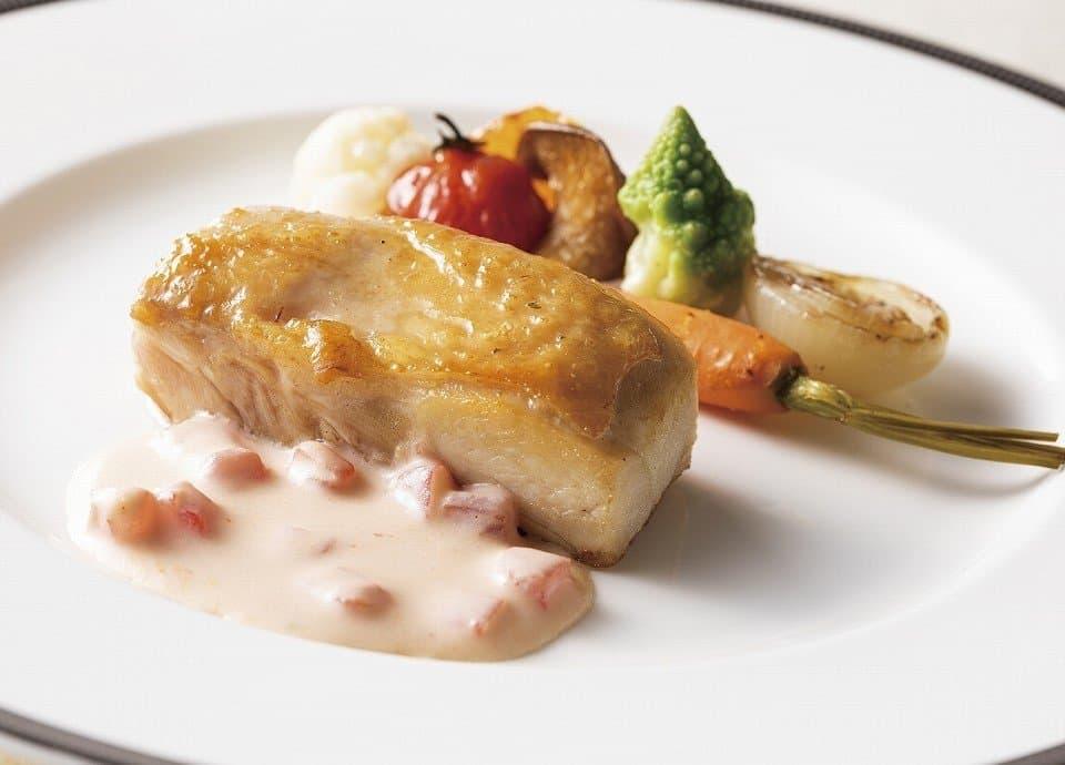 鶏もも肉と野菜の白ワインソース