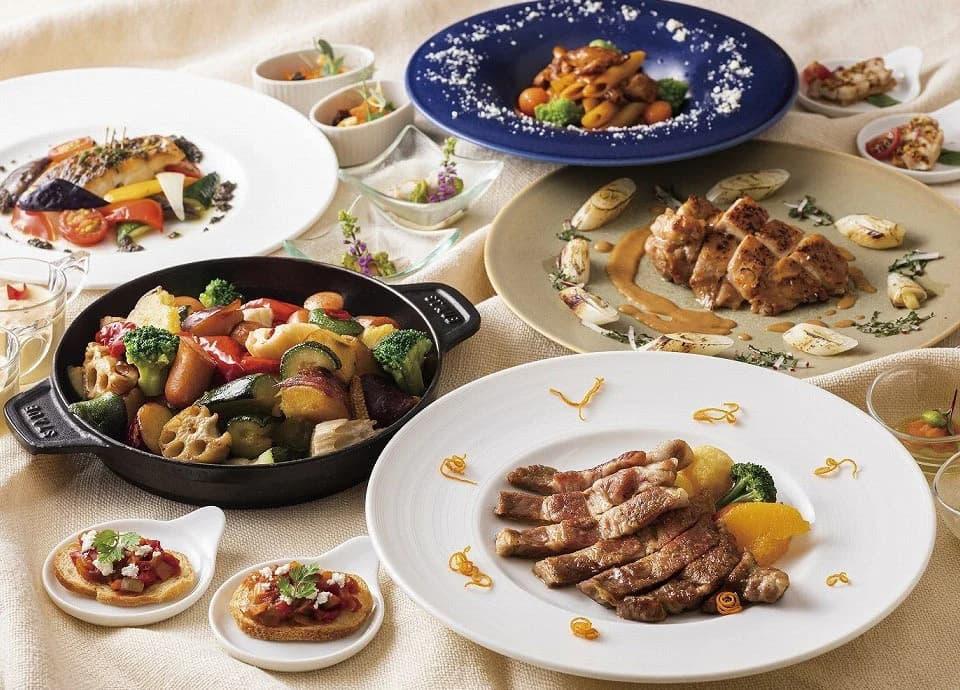 シニアやお子様にも人気の高い寿司や、目の前でカッティングするローストビーフも登場