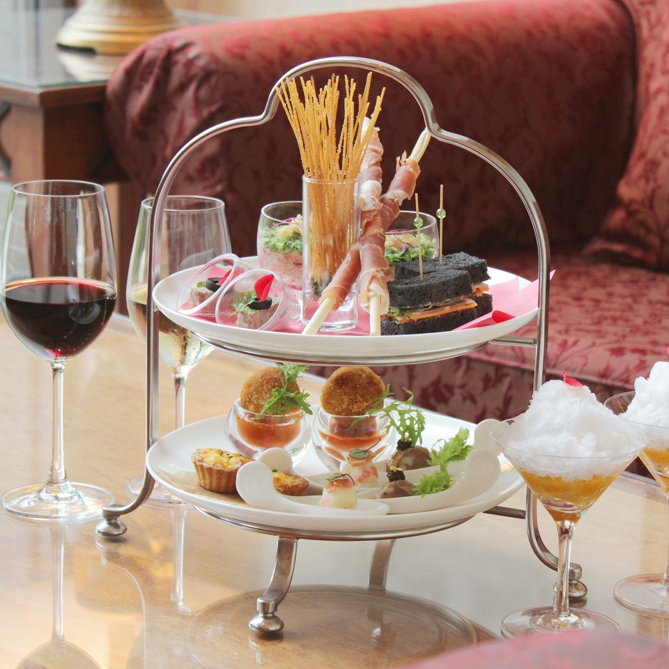 お酒にぴったりのお食事とパティシエ考案のデザート(写真はイメージ)
