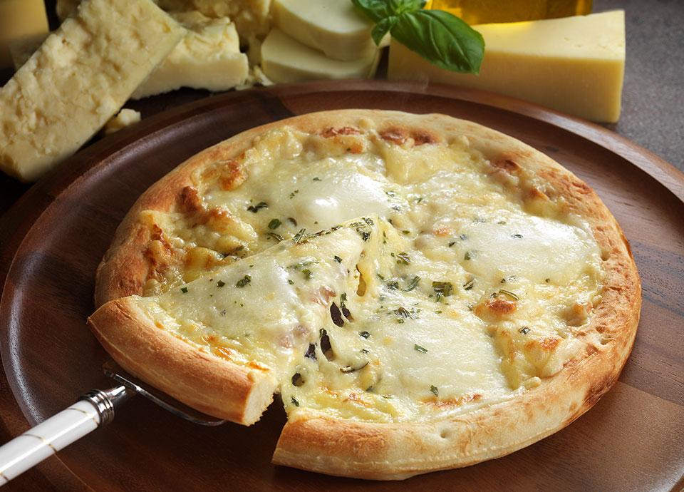 ナポリ風4種類のチーズ入りピッツァ(冷凍)