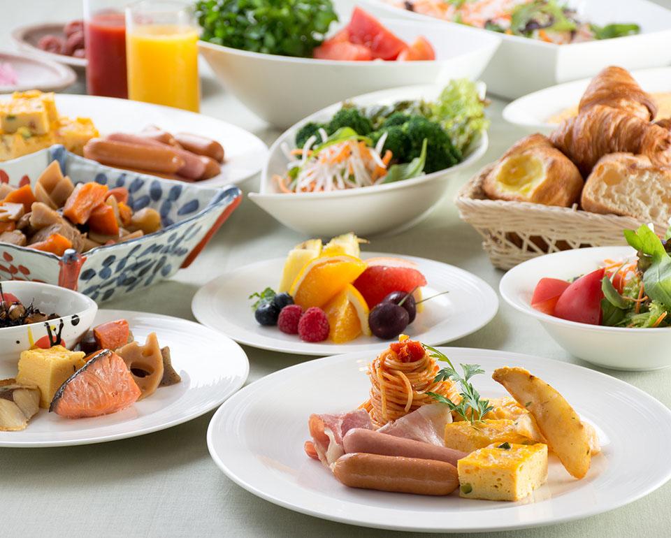 ご朝食はレストランにてお召し上がりいただけます。