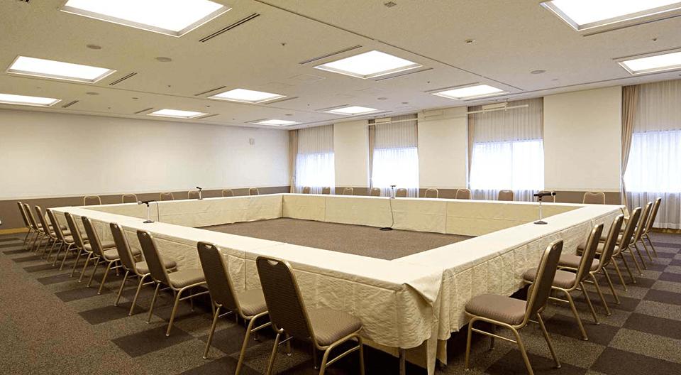 中宴会場(会議場)706