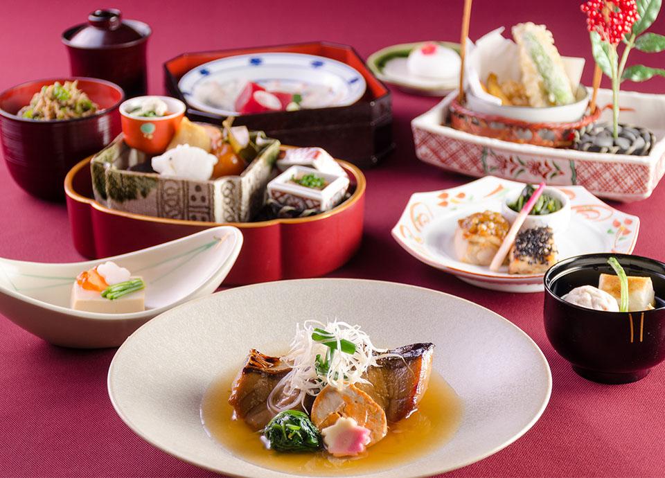 季節の会席料理と日本酒