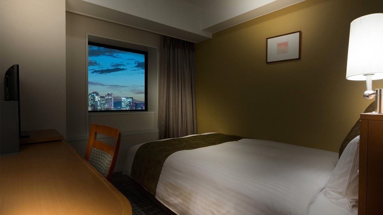 明るく広々としたダブルベッドのお部屋は全31室