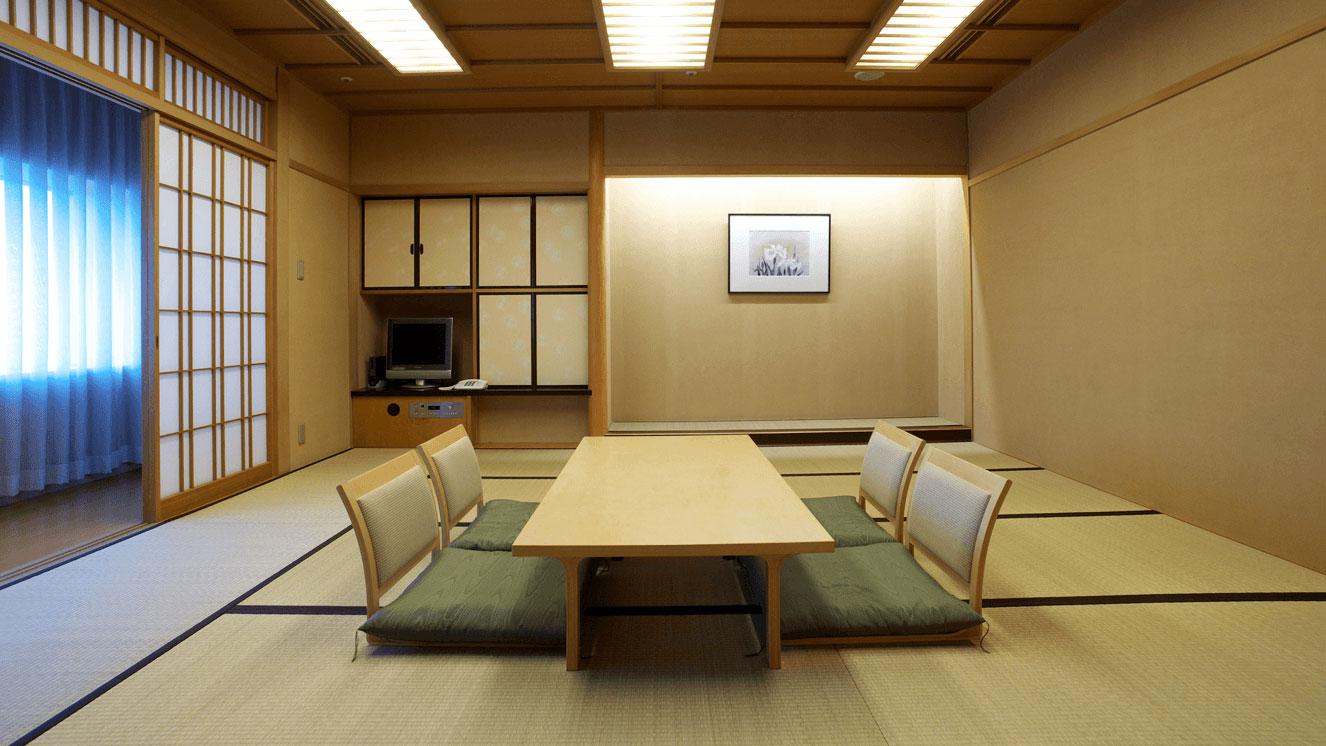 畳で落ち着いた空間の和室